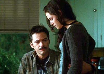 Image: Bella and Charlie Swan